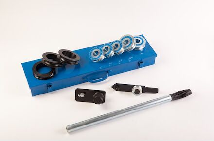 Ręczna Giętarka do Rur - 6-22 mm w metalowym pudełku product photo